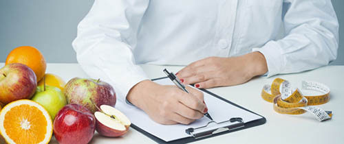 4 Of The Common Registered Dietitian Roles: Clinical Dietitian: The Job  Description ...